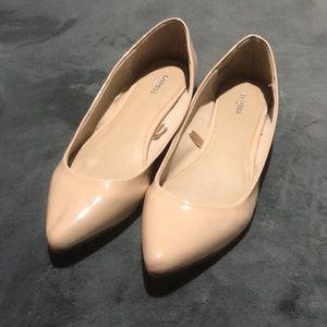 Stiletto toe flats